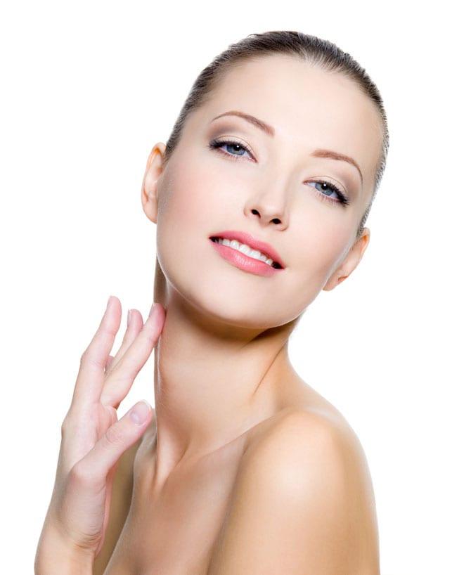 Nu neglijați îngrijirea pielii gâtului