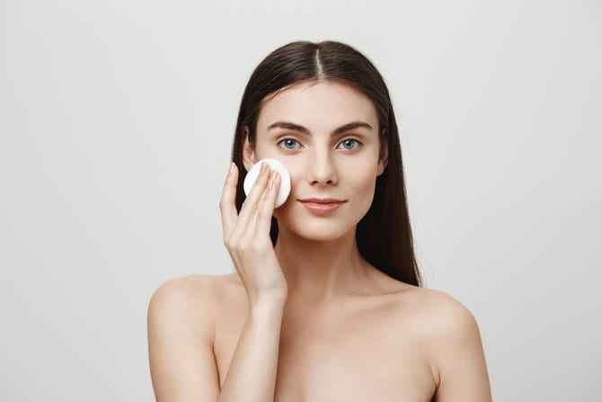Prima problemă: curățirea pielii